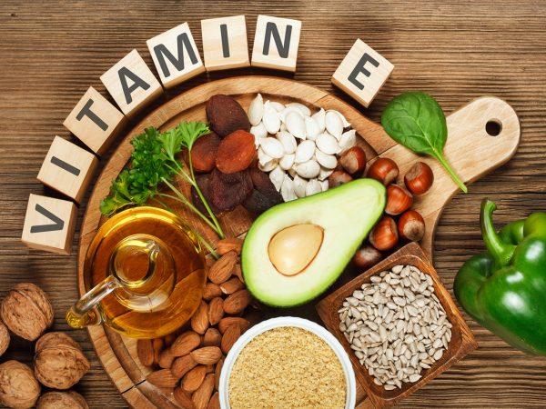 v kakikh produktakh soderzhitsya vitamin e i dlya chego on nuzhen organizmu1