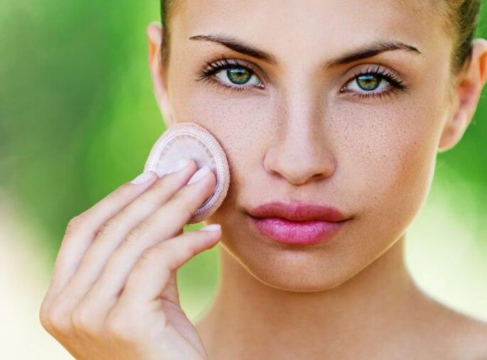 Чем заменить тональный крем летом?