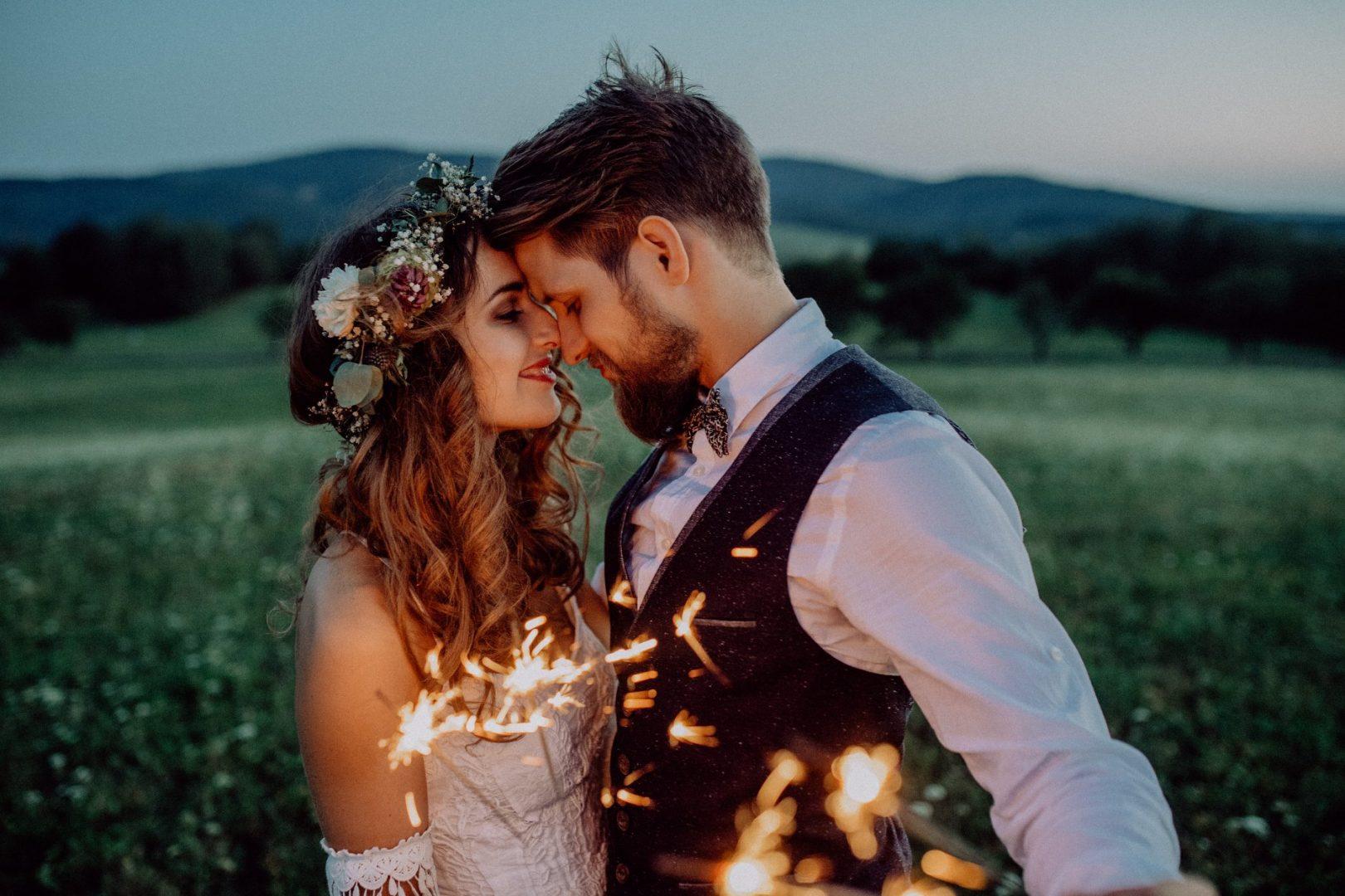 Картинки по запросу Что вашему партнеру нужно от отношений, согласно его знаку Зодиака