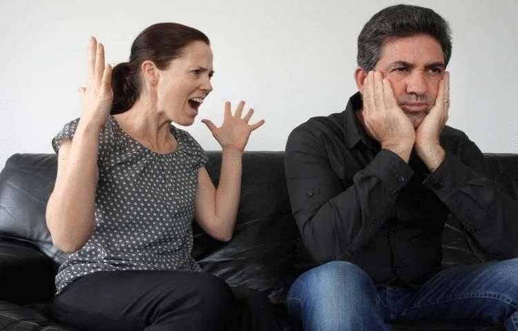 Знаки Зодиака, которые во всем контролируют своего супруга