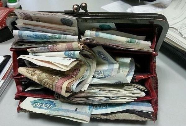 Какого цвета должен быть кошелек, чтобы привлечь деньги и удачу