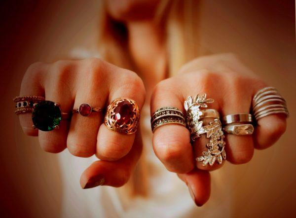 Двум знакам Зодиака нельзя носить золотые украшения