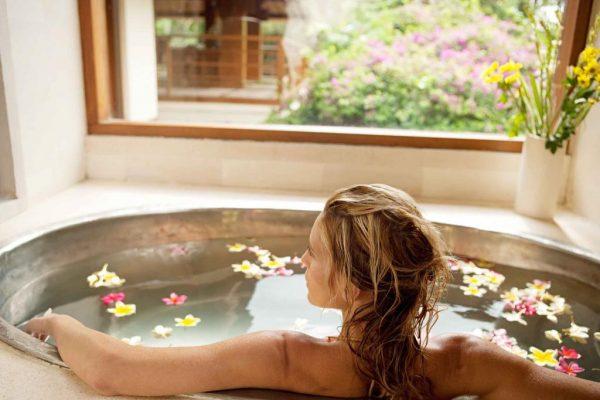 Расслабляющая ванна против хандры и усталости: рецепты приготовления | Lifestyle | Селдон Новости
