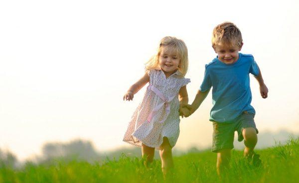 Дружба між дітьми в дитячому садочку   Мамоведія - про здоров'я та розвиток дитини