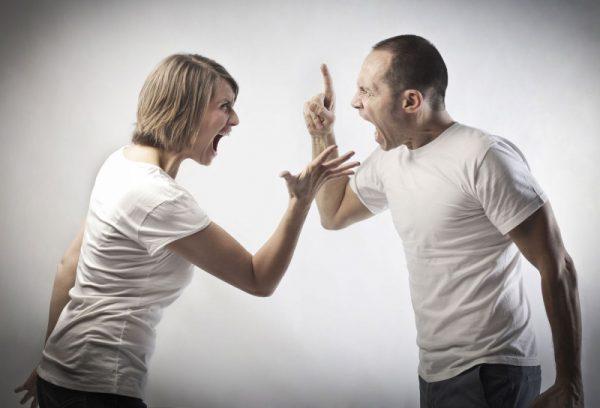 Ссора с супругой обернулась для рушанина обязательными работами и даже арестом