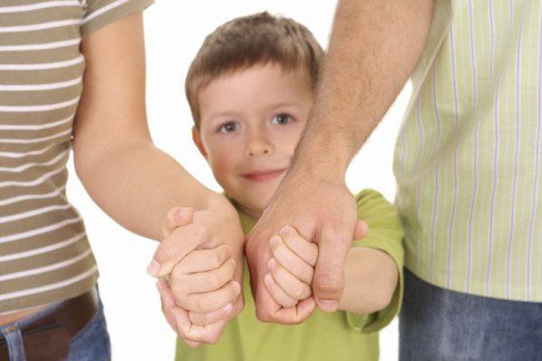 Гороскоп родителей: как воспитывают своих детей разные знаки Зодиака