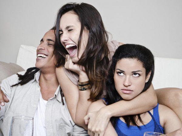 10 признаков плохой подруги, от дружбы с которой только вред
