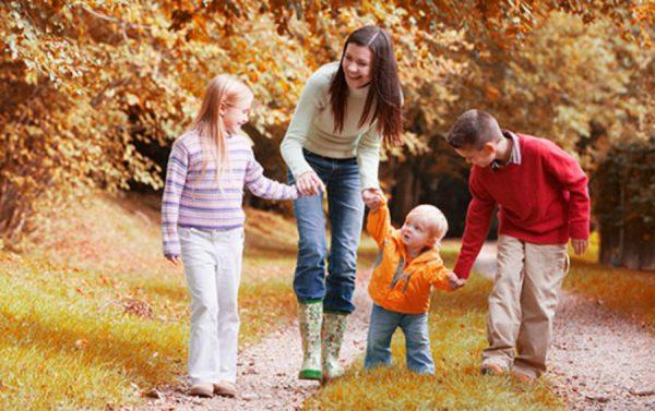 Современные родители: почему многодетность становится осознанным выбором