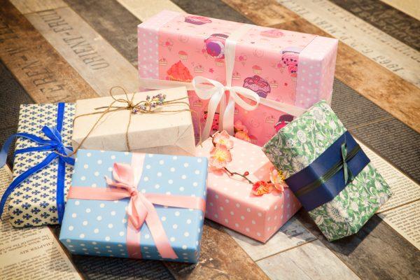 Приметы о подарках: что можно и нельзя дарить